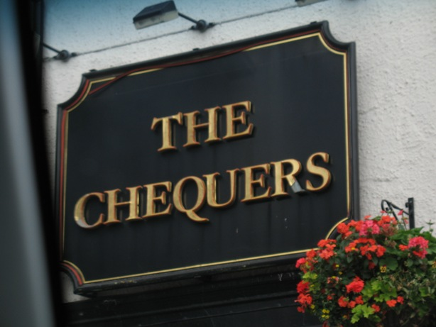 The Chequers pub sign, Swanley